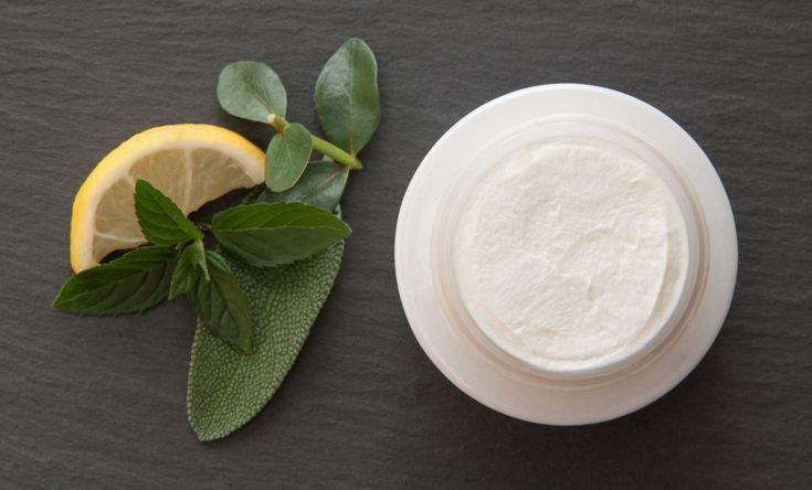 Realizzare con pochi ingredienti un deodorante efficace ed ecologico.