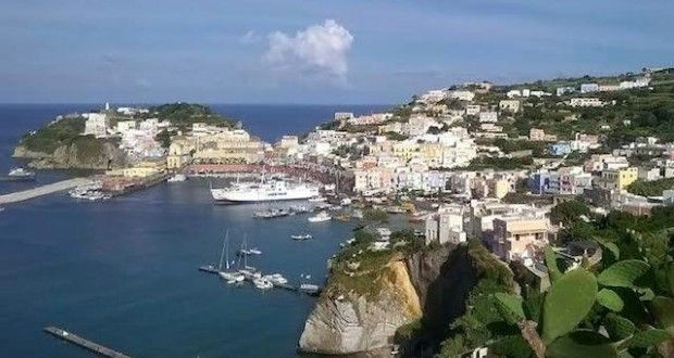 Visit Ponza... why not?!