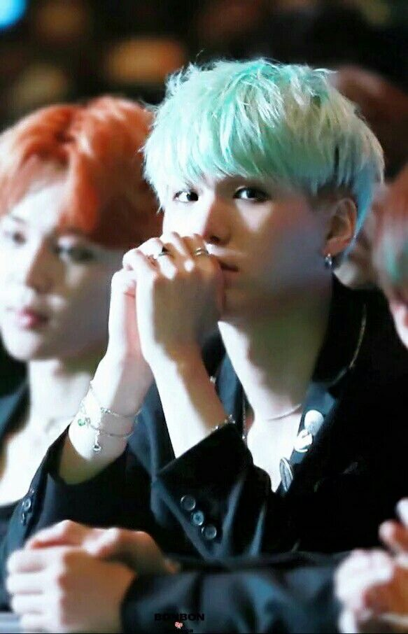 Yoongi 오빠\u0027s undercut is more perfect than my life will ever be.