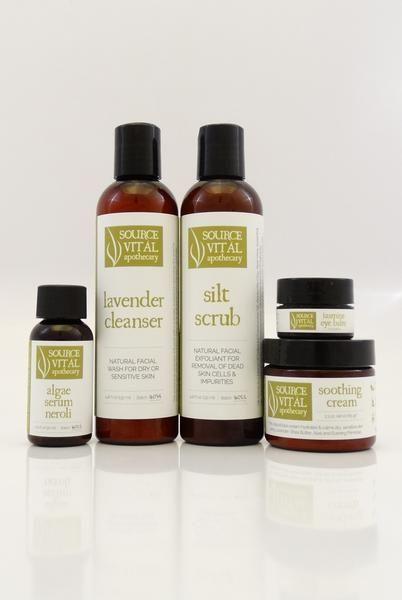 Five easy steps to more youthful skin! This kit includes: Lavender Cleanser (4.46 oz)  Algae Serum Neroli (1.01 oz)  Soothing Cream (2.3 oz)  Silt Scrub (4.4...