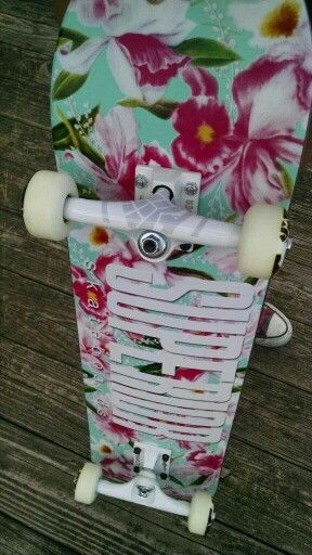 My board, 8.0 deck, thunder trucks, bones 52mm wheels, bones reds berrings, mob grip tape, isnt it pretty!