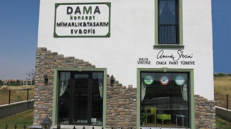 Dama Vintage, in Ankara, is an interior design company working in any kind of projects. They are experts in decorative paints creating surfaces and textures on walls, floors and furniture. Meltem and DeRun are our distributors in Turkey.