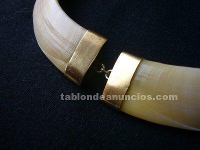 Foto de Collar de autenticos colmillos de jabali