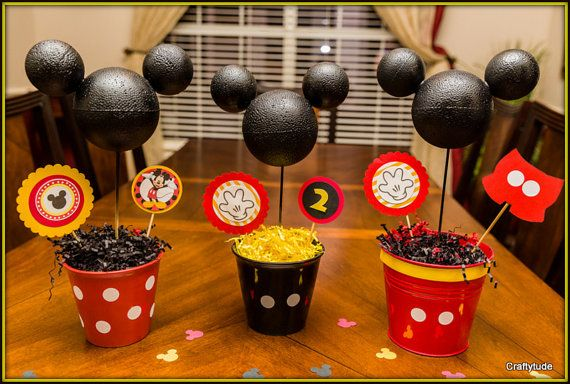 Micky Mouse Party Decorations, Mickey Mouse Centerpiece You can make the balls with something glued in to decorate.