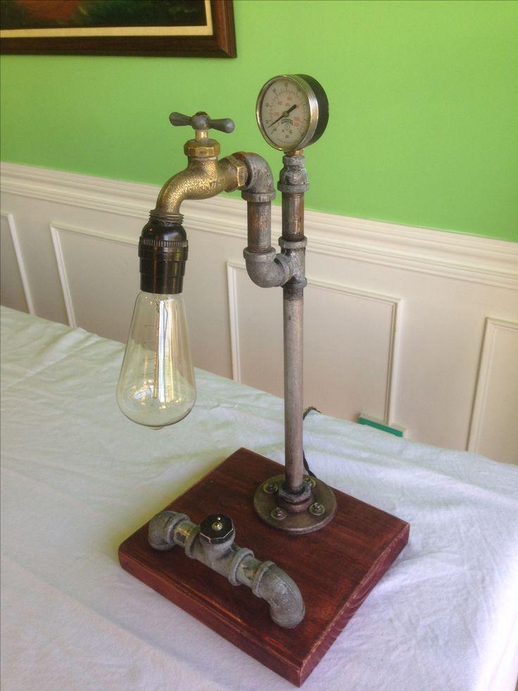 Lámpara de material reciclado, bombilla vintage