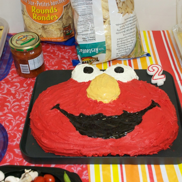 Red Velvet Elmo cake. Recipe from Buddy Valastro. I used Wilton red ...