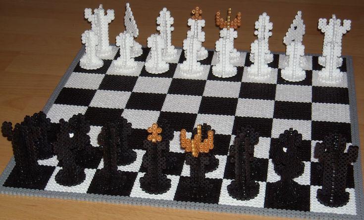 3D Chess perler beads by pärplattekungen