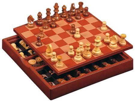 Renzo Romagnoli Шахматы + шашки renzo romagnoli в коричневом боксе  — 35540 руб.  —  Фигуры: деревянные. Фишки. Производство: Renzo Romagnoli