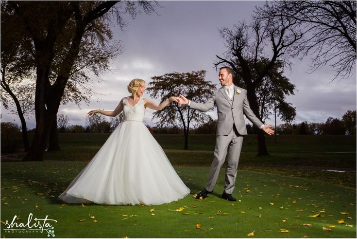 (John + Katie) - Embrace Church & Country Club of Sioux Falls — Sioux Falls Family and Kids Photographer
