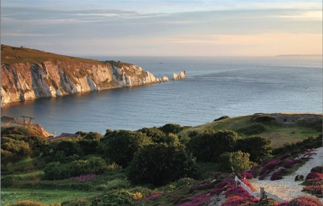 Isle of Wight one of the UK's favourite visitor destinations. Perfect for day trips, short breaks and holidays for families and couples. #isleofwight