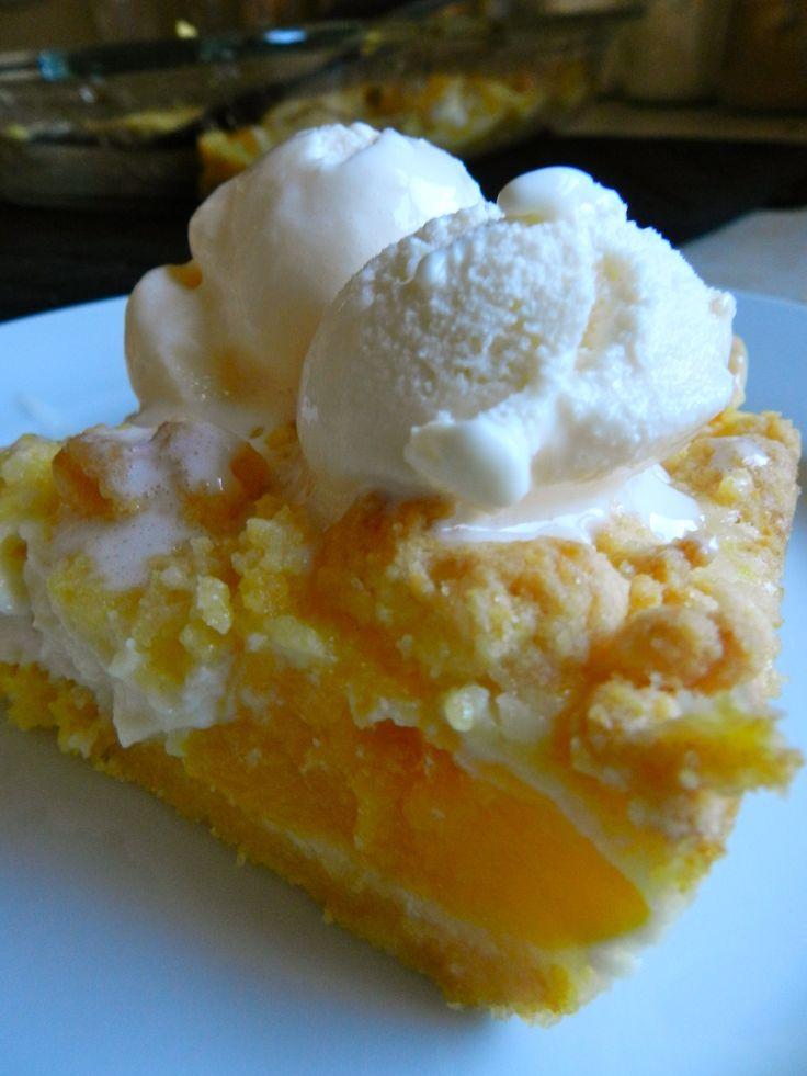 Looks So Good: 1 box yellow cake mix  1/3 cup butter  2 large eggs  29 ounces canned (or fresh!) peaches  8 ounces cream cheese  1/3 cup sugar  1 teaspoon vanilla extract    Preheat oven to 350 degrees. In a large bowl, combine cake mix, butter, and 1 egg. Mix ingredients with fork until crumbly. Separate 1/2 cup of crumble for topping.