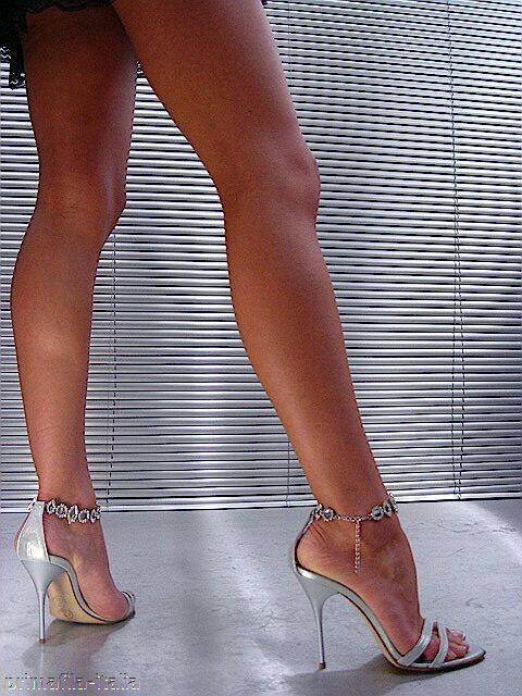 Pin By Didi Love On Shoes In 2019 Strappy Sandals Heels