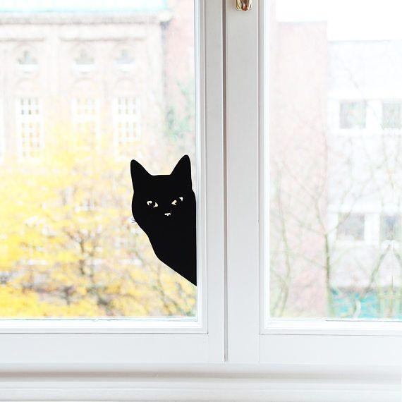 Mit unserem Wandsticker Katze verwandelt ihr in wenigen Sekunden eure Wände und Möbel zu einem tollen Hightlight. Ihr habt keine Lust mehr auf einfaches Weiß an euren Wänden und Türen? Dann haben wir eine super einfache und dekorative Lösung für euch! Unsere Wandsticker verleihen jedem