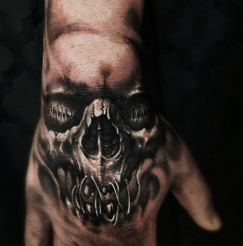 skull tattoo on hand tattoos pinterest totenkopf. Black Bedroom Furniture Sets. Home Design Ideas