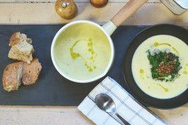 Potet- og purreløksuppe med stekt grønnkål og linser