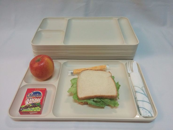 Tupperware 8 Dinner TV Trays Picnic Plates Cafeteria Style #Tupperware