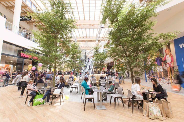 Il Centro - Shoping mall  Uni chairs metalmobil