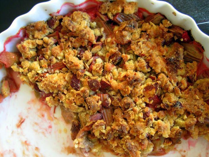 Opskrift på rabarber crumble | Mor Med Meget Mere