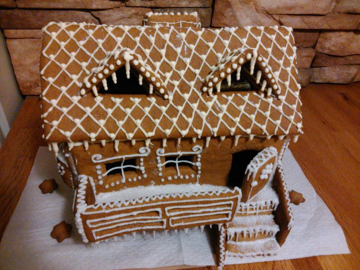 Cottage made of Honiees - typical Central European Christmas honey cookies
