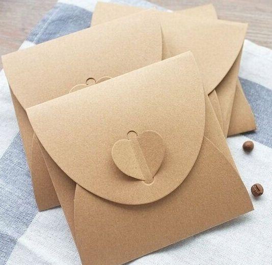 Diese DIY Vintage Herz Kraft Papier Umschlag ist toll, machen Ihren eigenen Umschlag für Geschenke oder handgeschriebene Briefe.  Leicht zu