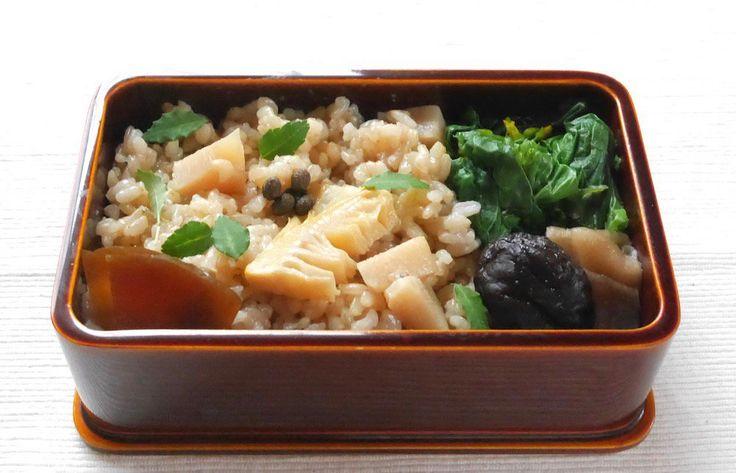 筍ご飯210g(実山椒佃煮、木の芽、奈良漬)、菜花辛子浸、椎茸と干瓢の旨煮