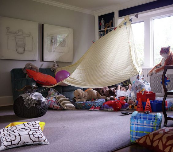 34 best pillow blanket forts images on pinterest blanket forts pillow forts and caves for How to make a fort in the living room