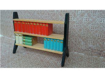 Lundby låg bokhylla med svarta gavlar -60-tal
