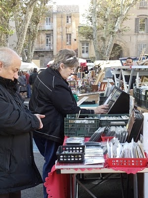 shopping in paris markets