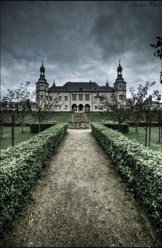 Palac Biskupów Krakowskich - Kielcach, Polska
