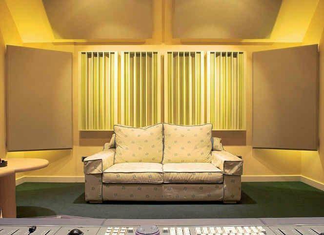sound diffuser rear wall, rear wall diffusion, acoustic diffuser, acoustic diffusion