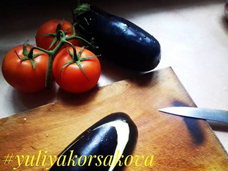 Лето радует нас рвзнообразием овощей🍅🍄. Одни из моих любимых - баклажаны 🍆.... К сожалению готовить умею только с помидорами. . Поделитесь своими рецептиками🍜, как вы готовите🍡 этот вкусный овощ? . #yuliyakorsakova #овощи #баклажаны #помидоры #рецепты #звенигородка #готовимвкусно