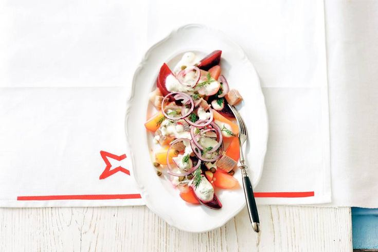 Kijk wat een lekker recept ik heb gevonden op Allerhande! Bieten-haring-aardappelsalade