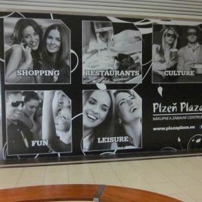 tapety v OC Plaza