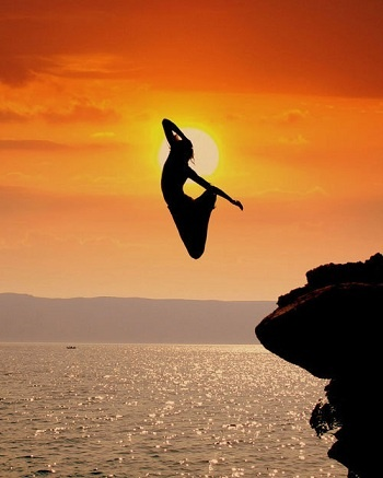 When God pushes you to the edge, trust him fully.  Either he will catch you or he will teach you how to fly!: Bucketlist, Cliff Jumping, Buckets Lists, Dreams Big, Cliff Diving, Trust God, Sunsets, The Ocean, Leap Of Faith