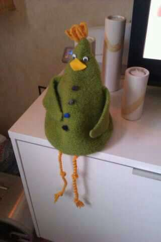 My knitted hen for having a winebag inside.