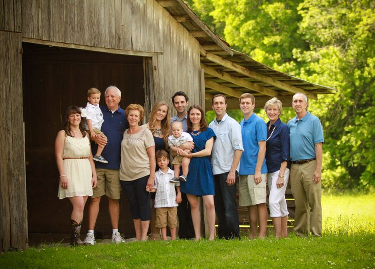 18 Best What To Wear For Family Pictures Images On Pinterest