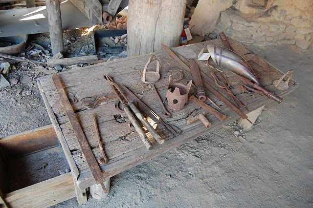 In this picture are some of the weapons that would have been sold in Goguryeo markets. Goguryeo succeeded in opening trades with nomadic people of the grasslands and farmers of the Hubei region.