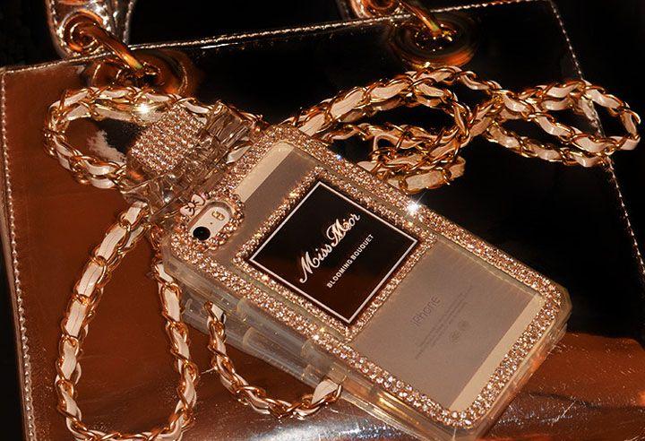 iphone7scase.jp母の日ギフト・スマホケースプレゼント特集2017|人気のiPhoneケースランキング入りギフトなど、感謝を伝えるプレゼントが満載! お店選びに困ったらこちら!母の日ギフト・スマホケースプレゼントに力を入れている注目ショップをPick up! 定番のハードケースから花柄手帳型ケースなど、大容量財布タイプ携帯カバーまで。 いつもがんばっているお母さんに、ありがとうの気持ち