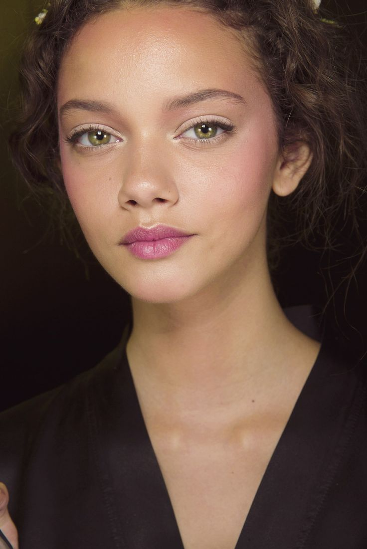 doll-like makeup at Dolce SS14 #makeup