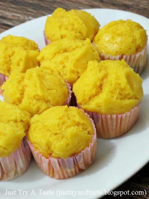 Kue mangkuk merupakan kue tradisional yang telah dikenal sejak jaman kakek-nenek kita atau bahkan mungkin lebih lama lagi dari itu. Kue i...