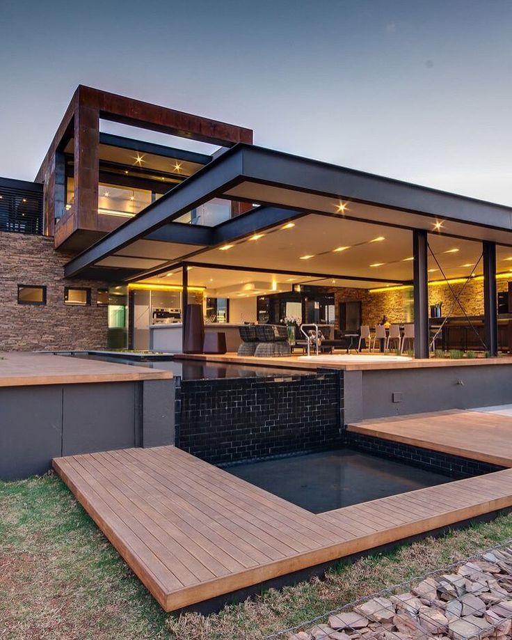 Home design - Piscine de rêve pour une maison de rêve. La cuisine qui va avec est ici: www.rundesign.re ;)