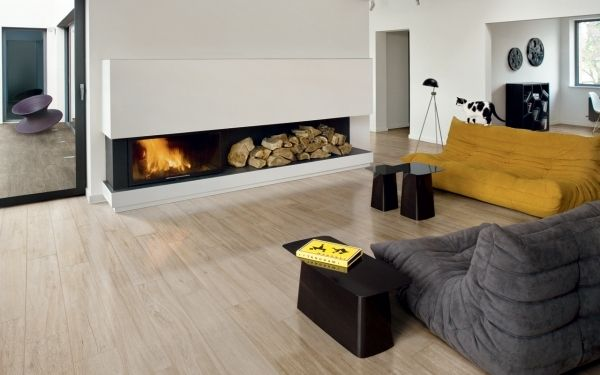 Bodenfliesen Holzoptik wohnzimmer iris ceramica kamin minimalistisch