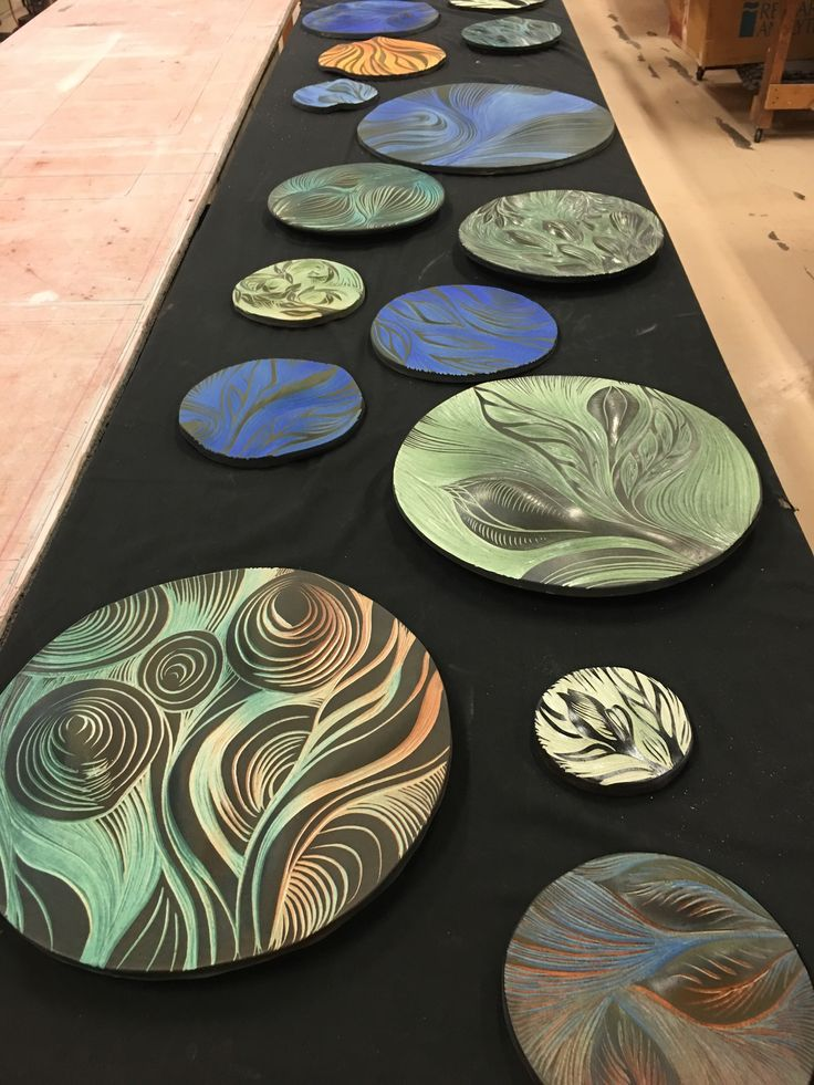 We have seen an increase in orders of our tile art wall disks. And why not? They come in many colors, sizes and patterns. Check them out!