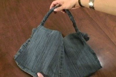 A Sweet Jean Purse  •  Free tutorial with pictures on how to sew a denim bag in 23 steps