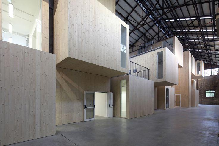 Andrea Oliva, Kai-Uwe Schulte-Bunert · Tecnopolo di Reggio Emilia, Capannone 19 ex officine Reggiane · Architettura italiana