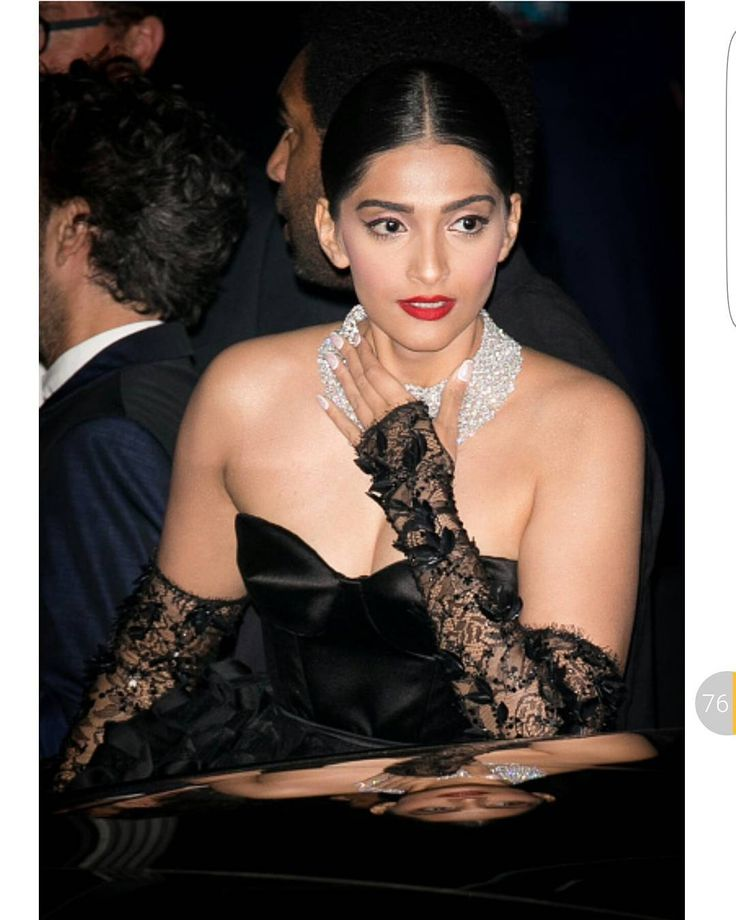 . For more follow #BollywoodScope and visit http://bit.ly/1pb34Kz