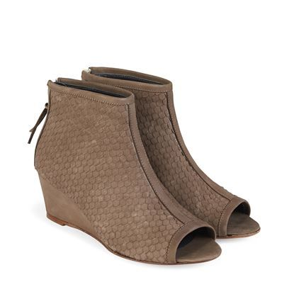 Sandal m. kilehæl og peep-toe