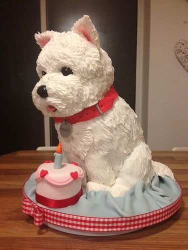 I have two Westies, I just don't think I could eat the cake! But it is cute! Westie dog cake