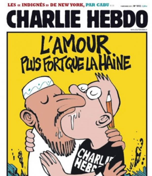 """Láska je silnější než nenávist"" - Charlie Hebdo roku 2011 otiskl na obálce vtip, kde Charbonnier líbal muže oblečeného tradičně po muslimsku - http://www.washingtonblade.com/2015/01/07/attack-french-satirical-magazine-leaves-12-dead/#sthash.UEBJNLB6.dpuf"