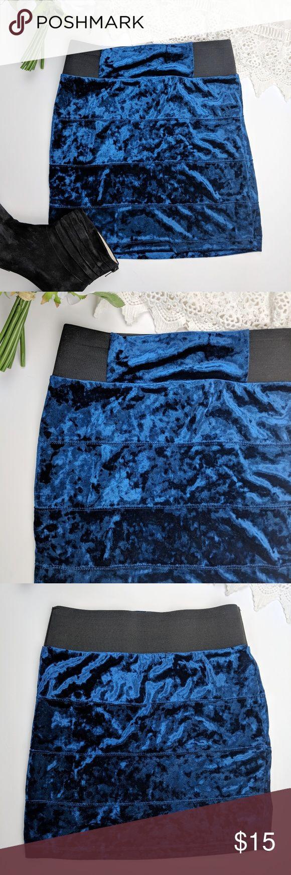 Forever 21 royal blue velvet bodycon skirt Gorgeous blue Velvet miniskort, bodycon style. Black elastic waist band. Excellent condition! Perfect for a night out. Forever 21 Skirts Mini